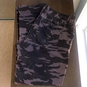 J. Crew City Fit Chinos Gray Camouflage Size 10
